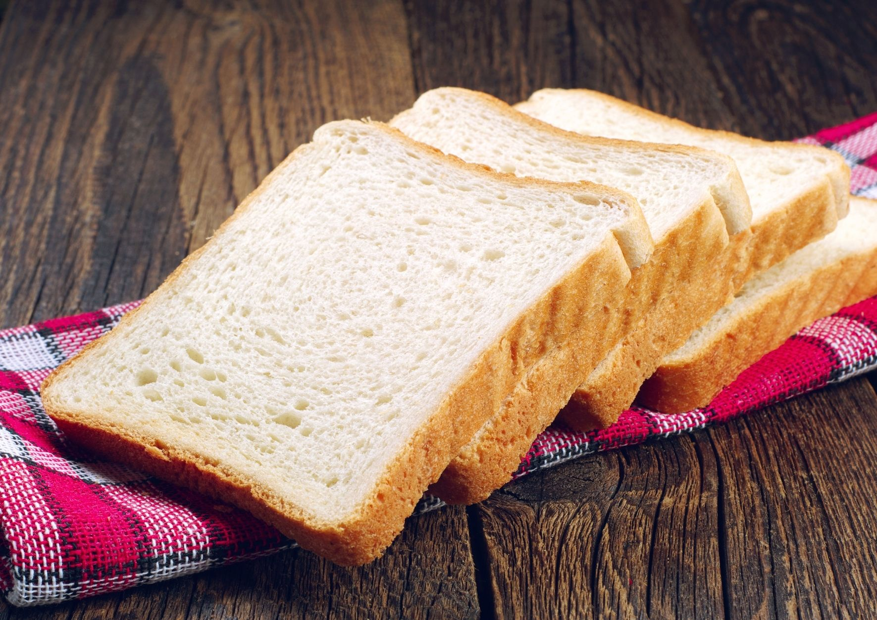PULLMAN-PAN-BREAD-SLICES